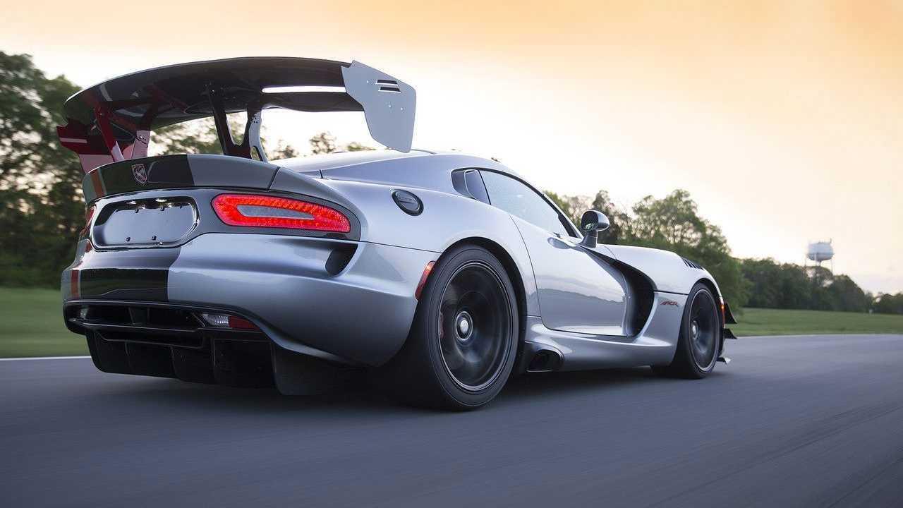 Dodge Viper ACR и его антикрыло
