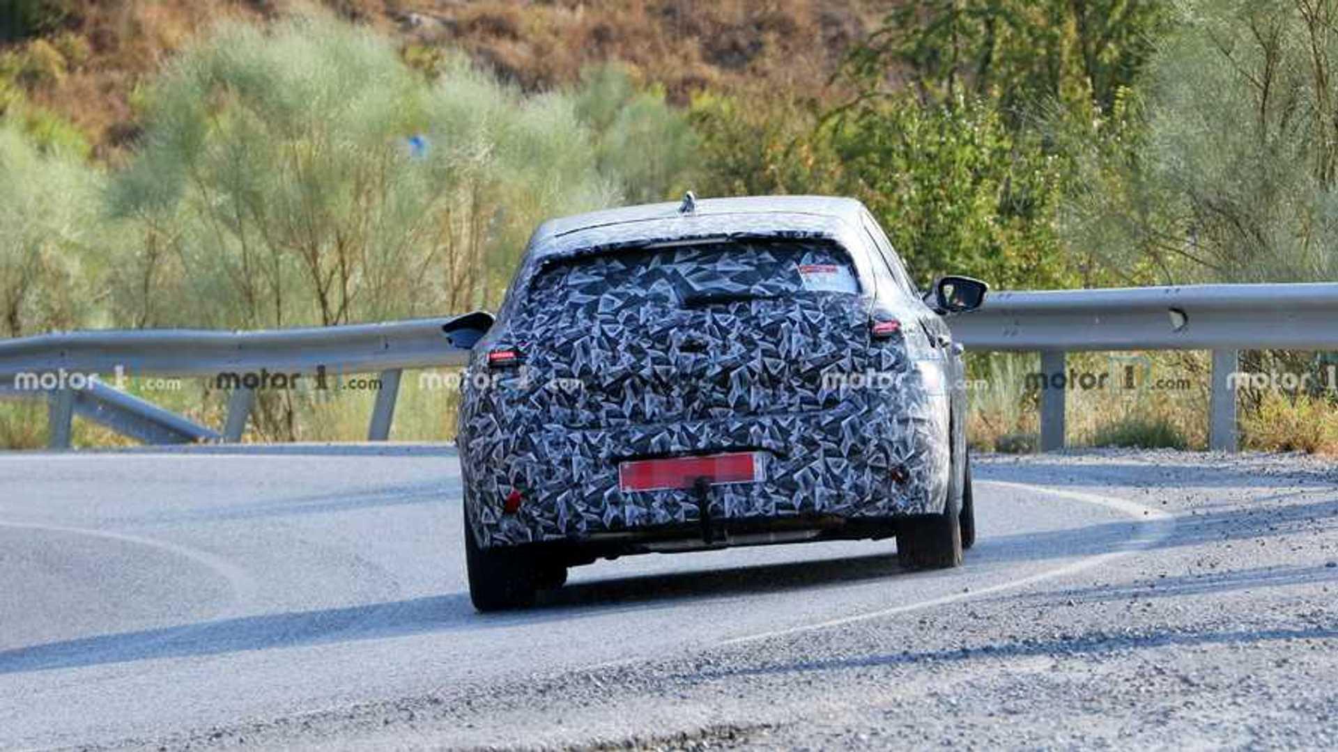 2021 - [Peugeot] 308 III [P51/P52] - Page 33 2022-peugeot-308-rear