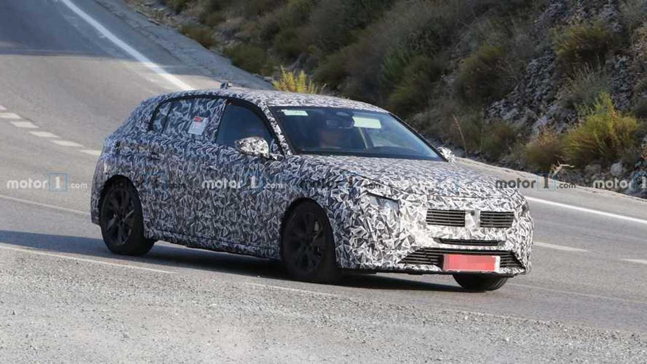 Nuova Peugeot 308, le foto spia svelano nuovi dettagli
