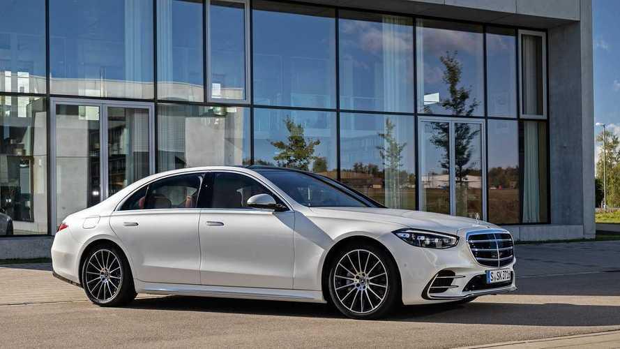 Mercedes-Benz предложил россиянам новый S-класс с V8
