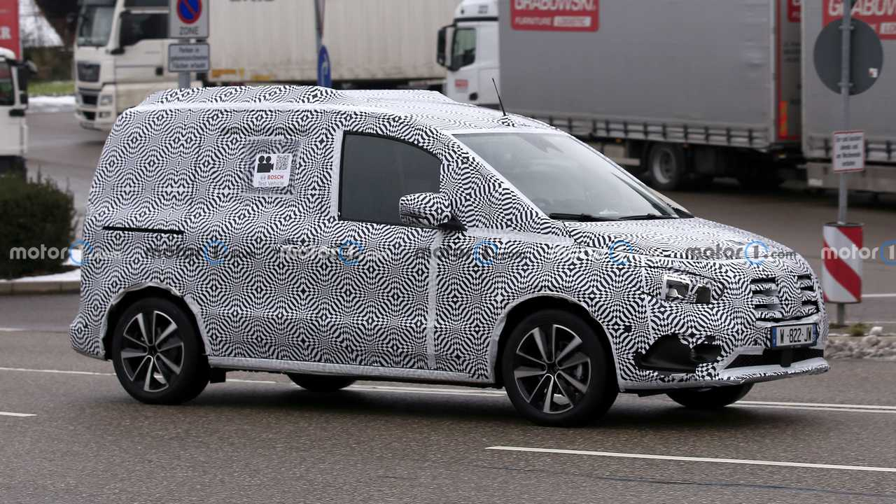 Mercedes-Benz T-Serisi yeni casus fotoğraf