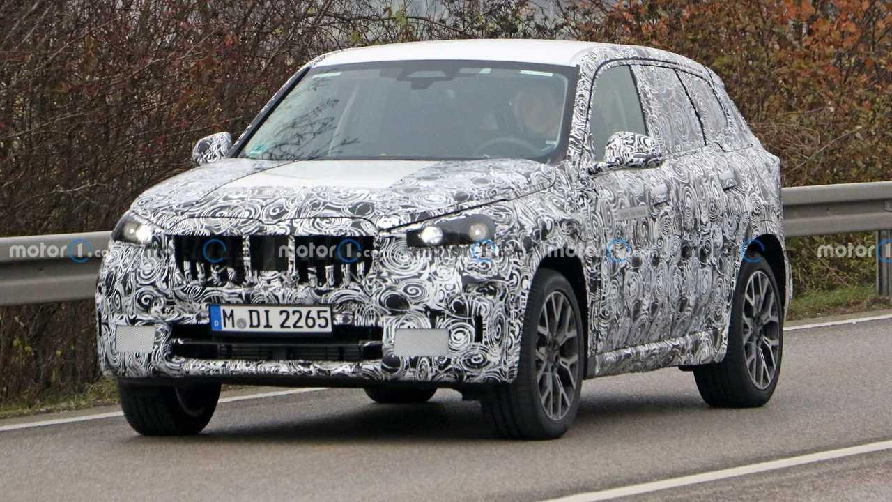 Next-Gen BMW X1 PHEV Spy Photos