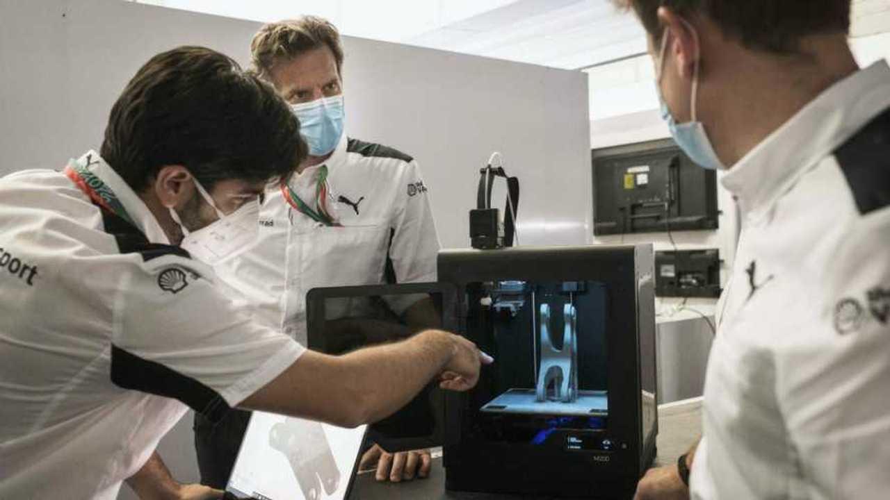 BMW Motorrad WSBK Team 3D Printer 1