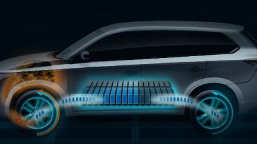 2013 Mitsubishi Outlander Plug-in Hybrid EV headed for Paris debut