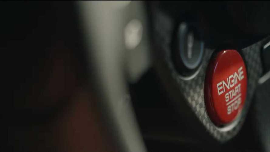 Ferrari yeni modelinin ilk teaser'larını yayınladı!