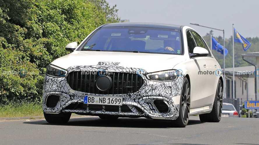 2022 Mercedes-AMG S63e new spy photos