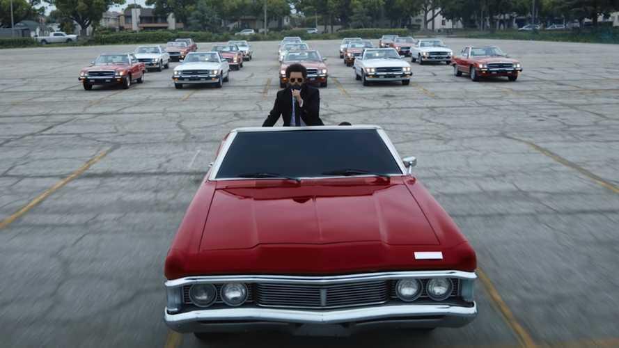 Koreografi Mobil dan Truk Iringi Lantunan Lagu The Weeknd