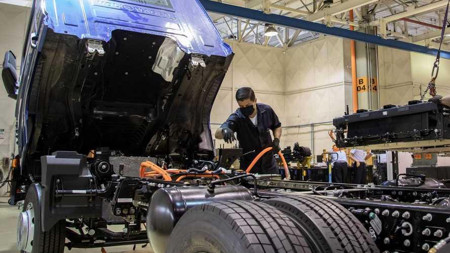 Caminhão elétrico VW e-Delivery terá baterias montadas pela Moura