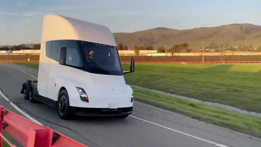 Tesla Semi'ın testlerinden yeni bir kısa video geldi