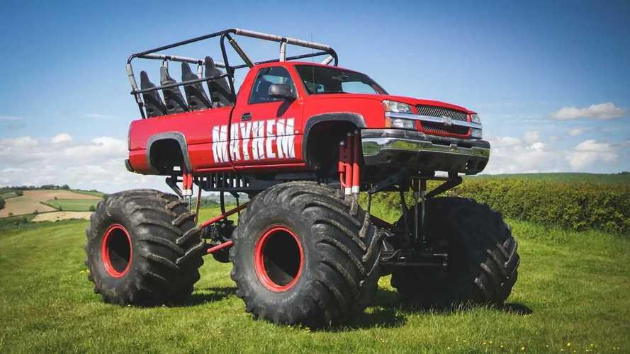 A subasta este brutal Chevy Silverado Monster Truck de 11 plazas