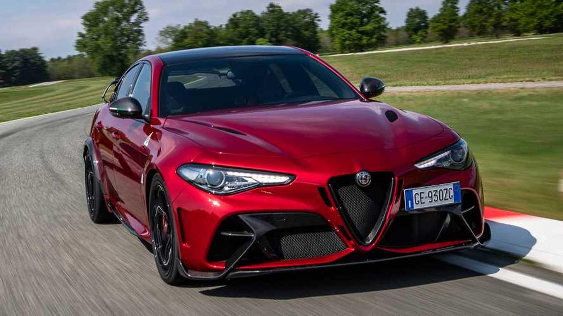 A közeljövőben elektromosautó-márkává változhat az Alfa Romeo, a Lancia és a DS
