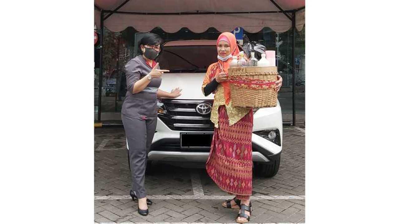 Penjual Jamu gendong Beli Toyota Rush