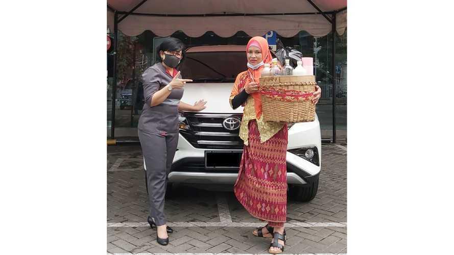 Kisah Pedagang Jamu Gendong Beli Toyota Rush, Terbantu PPnBM