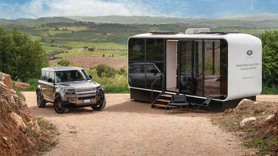"""Case vacanze con Airbnb: ora c'è la """"stanza 4x4"""" Land Rover Defender!"""