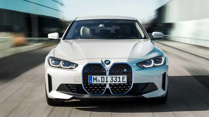 Anche BMW avverte sul rischio dell'all-in sull'elettrico