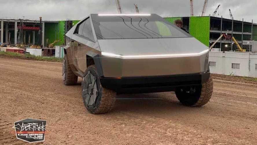 Elon Musk, bir Cybertruck ile yeni Tesla fabrikasını ziyaret etti