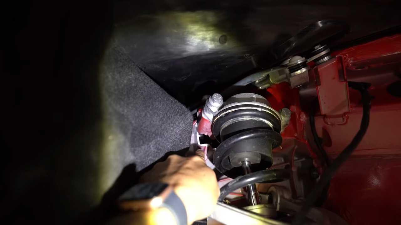 Ferrari F8 Tributo cracked frame