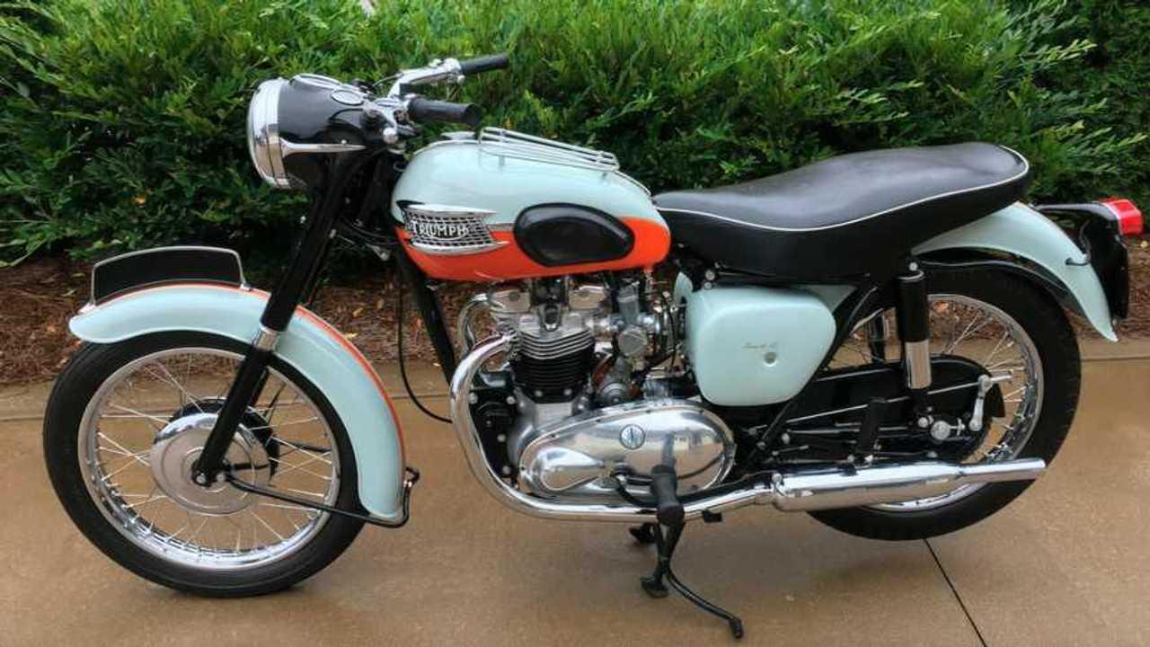 1959 Triumph T120 Bonneville - Left Side