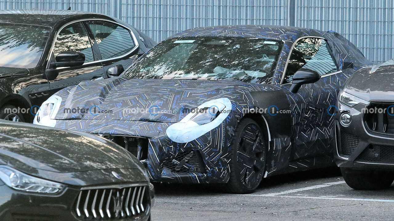 Новый Maserati GranTurismo попался в собственном кузове