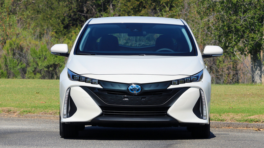 Toyota Prius Prime Crushes Honda Clarity PHEV Sales In U.S. May 2019