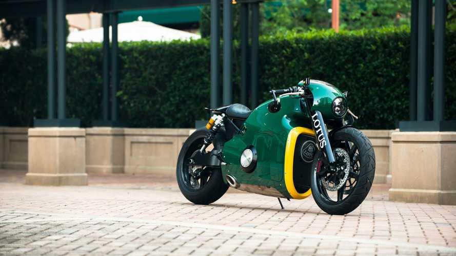 Une moto Lotus C-01 vendue aux enchères