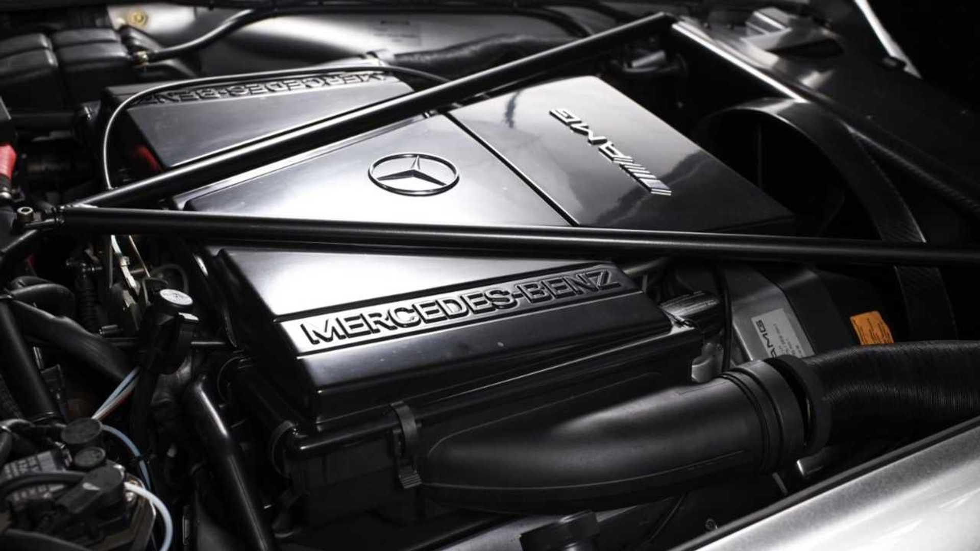 """[""""Mercedes-Benz 300 SL Gullwing AMG, Best Heritage Auction, 2019 Tokyo Auto Salon""""]"""