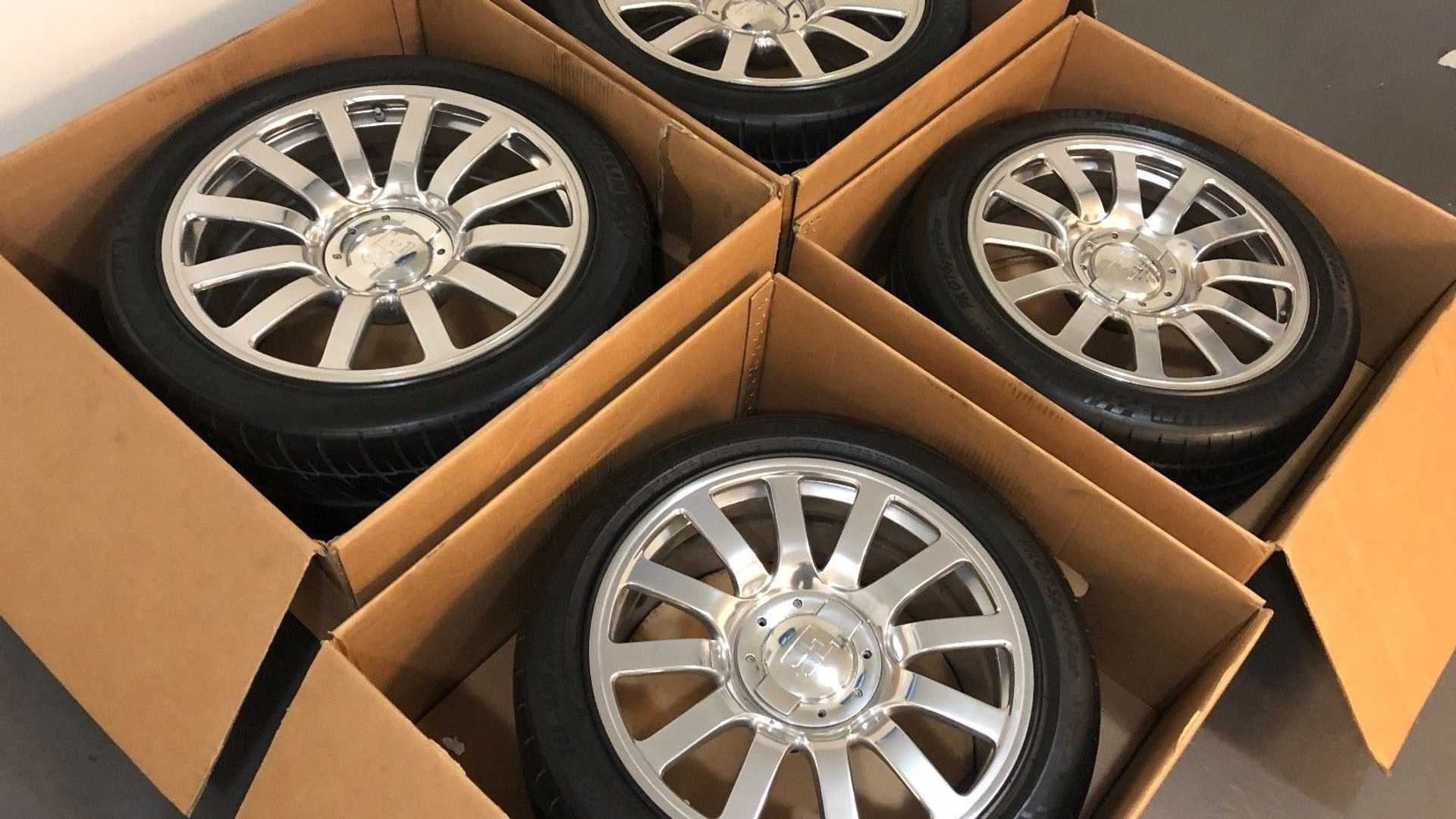 Bugatti Veyron Wheel And Tire Set Yours For Just 100 000