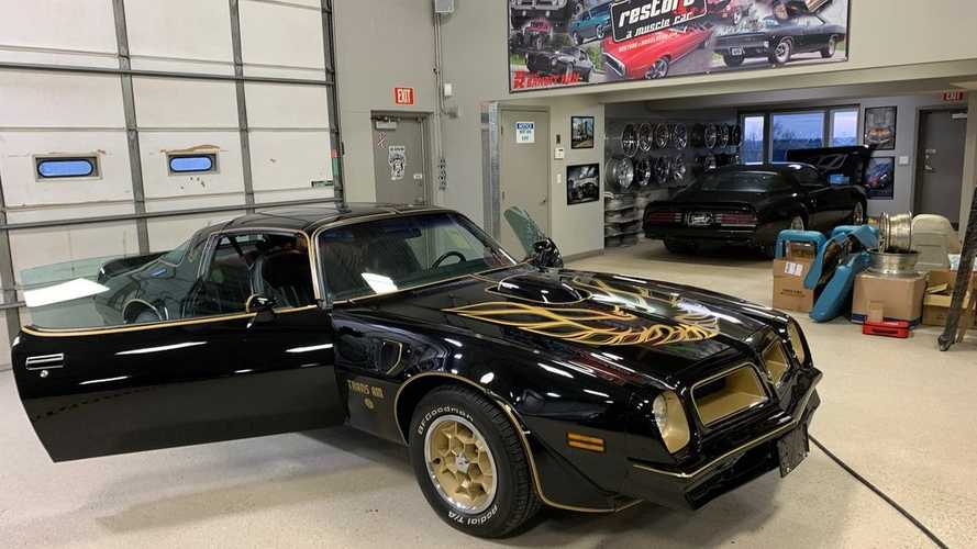 Just Put That Hammer Down And Give It Hell In This '76 Trans Am