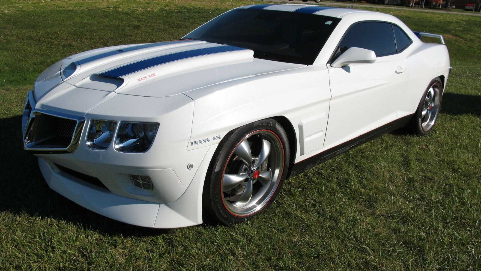 "[""Bizarre 2010 Camaro With Classic Trans Am Nose Needs Home""]"
