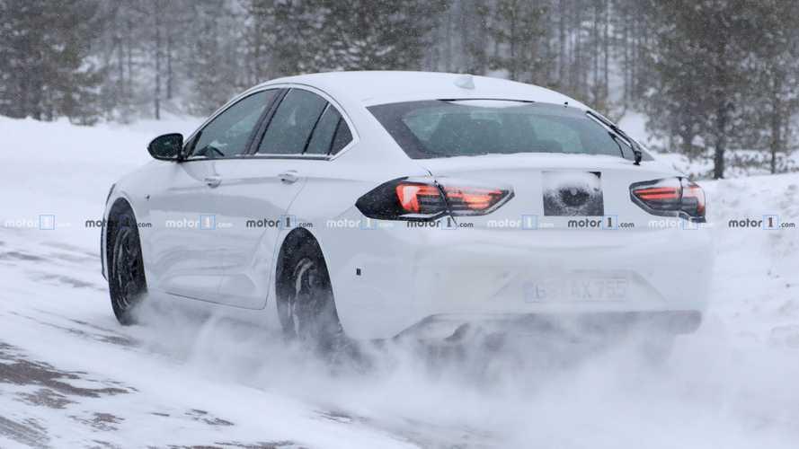Opel Insignia 2020: fotos espía del restyling