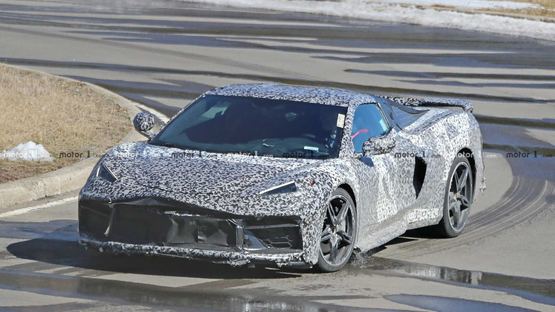 mid-engine​d-corvette​-spy-photo
