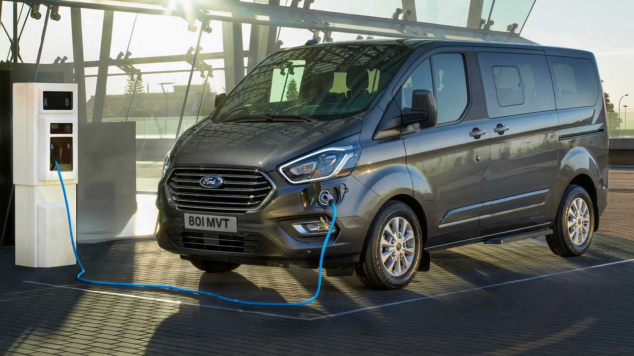2019 ford tourneo custom phev revealed as efficient people. Black Bedroom Furniture Sets. Home Design Ideas