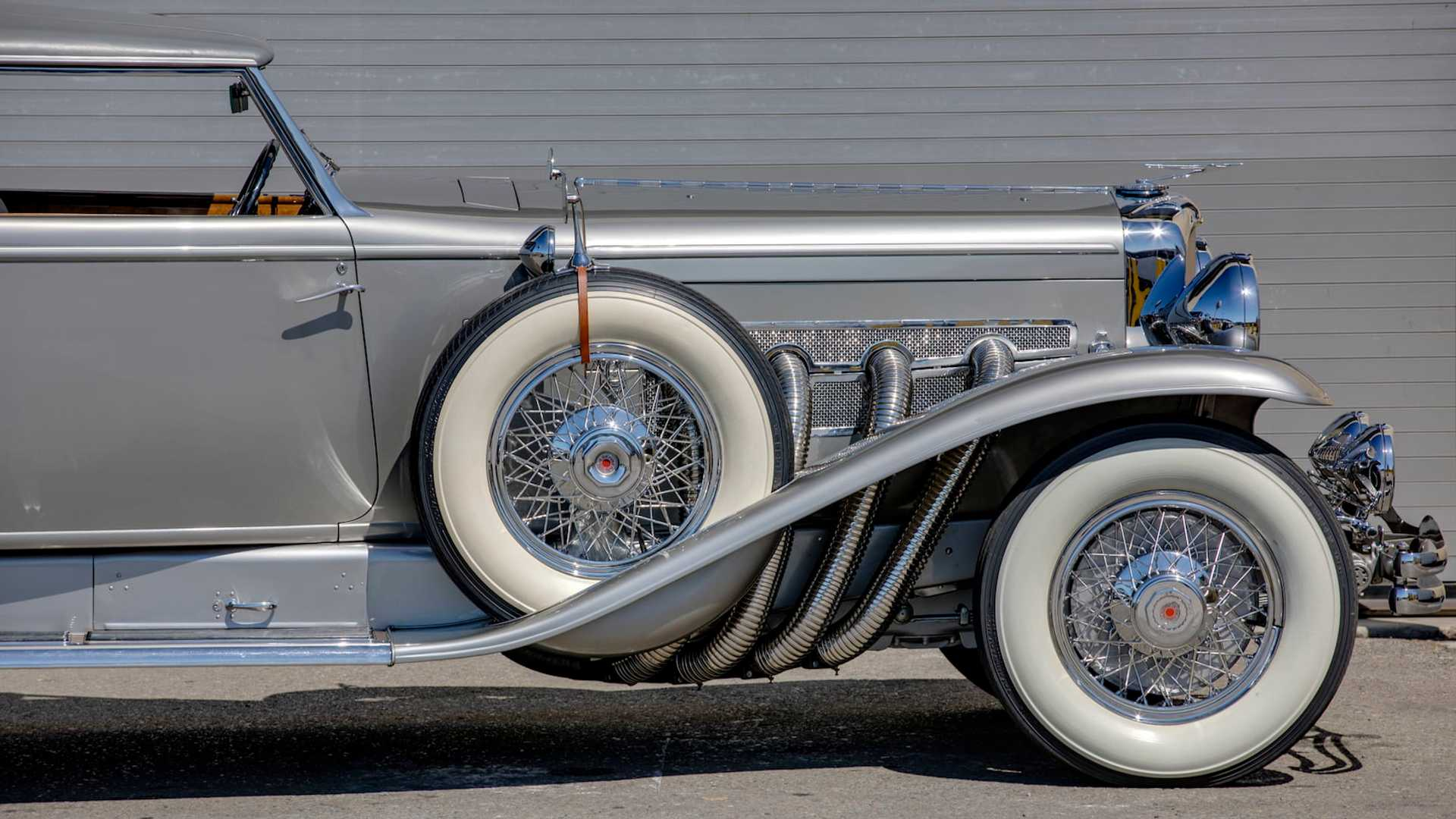 "[""1932 Duesenberg Model J Torpedo Berline by Rollston""]"