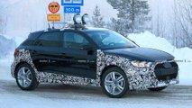 Audi A1 Allroad (2019) als Erlkönig erwischt