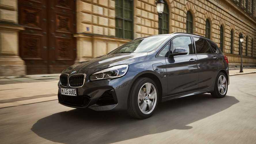 Nuova BMW 225xe Active Tourer, fino a 57 km in elettrico