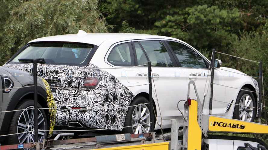Facelifted BMW 5 Series Touring Spied On A Trailer