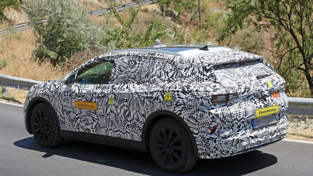 VW ID Crozz Electric Crossover SUV: Design, Release >> Vw I D Crozz Makes Spy Photo Debut With Production Body