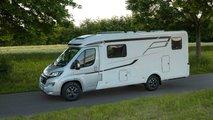 Wohnmobil und Caravan: Ungewohntes Fahrverhalten nicht unterschätzen