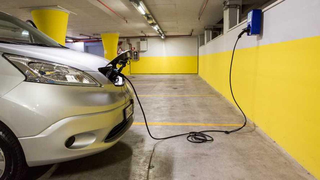 Quanto ci vuole per caricare un'auto elettrica