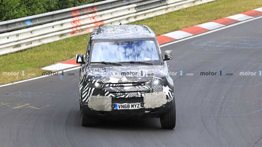 2020 Land Rover Defender Spy Photos