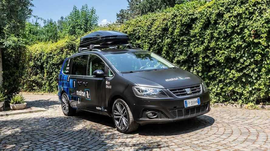 Seat Alhambra mit Motor1-Folierung