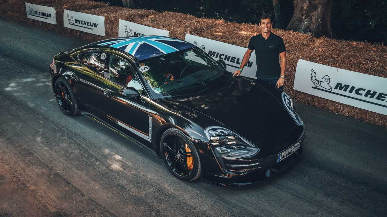 Porsche Taycan, a Goodwood con Mark Webber