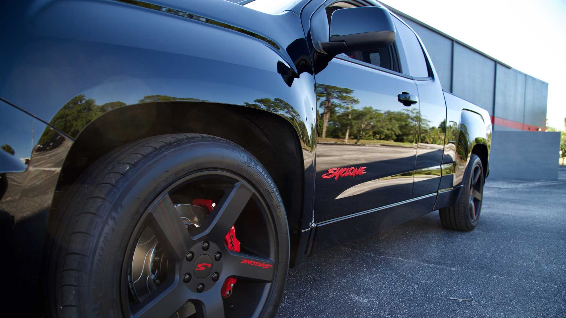 2019 GMC Syclone First Drive: Run For Cover (Video)