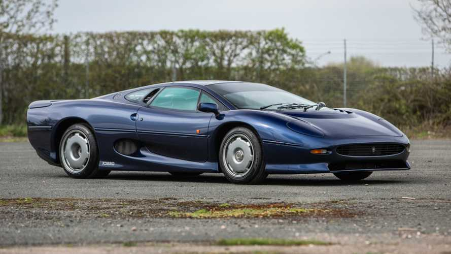 Pair of Jaguar XJ220s Headline Silverstone Auctions May Event