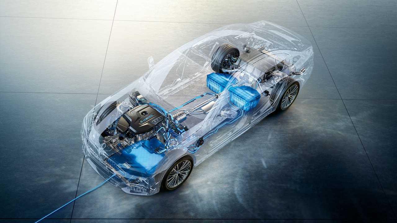 BMW 530e kablosuz şarj