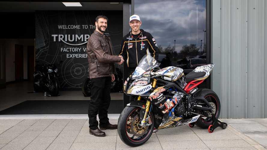 Triumph partecipa alla Road Racing 2019 con due leggende