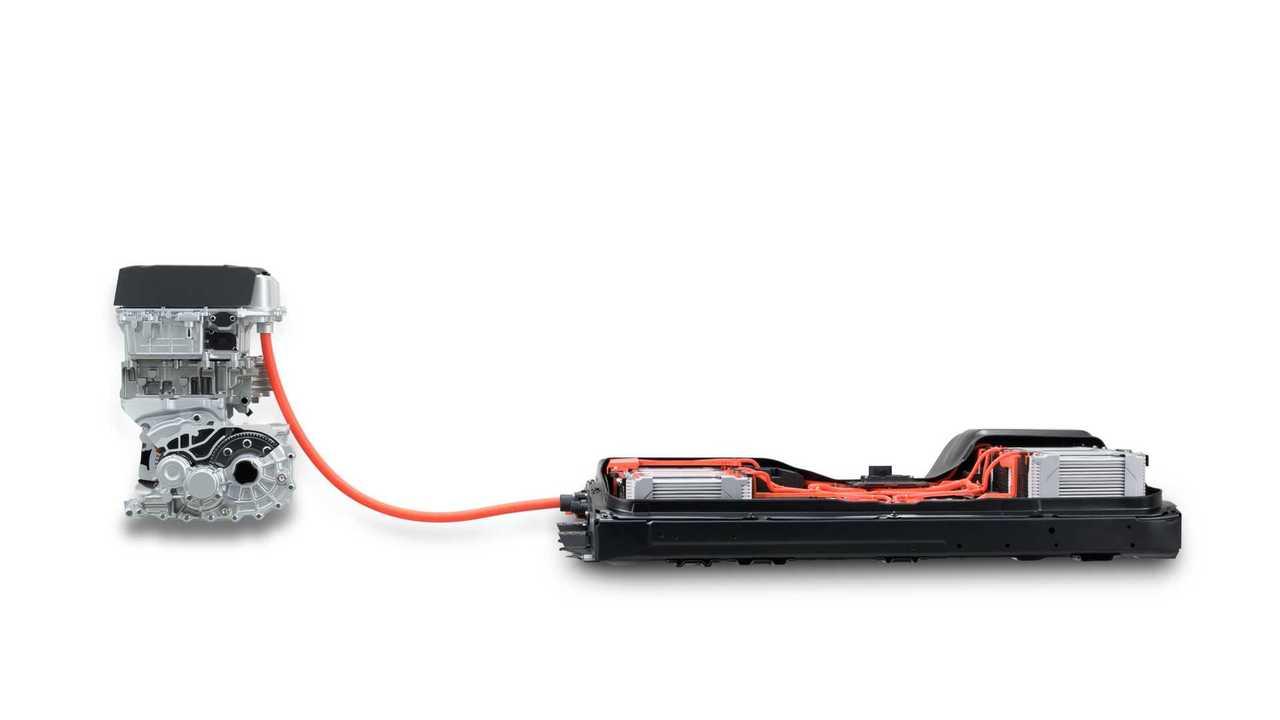 Auto elettriche: la differenza fra potenza massima e potenza a libretto