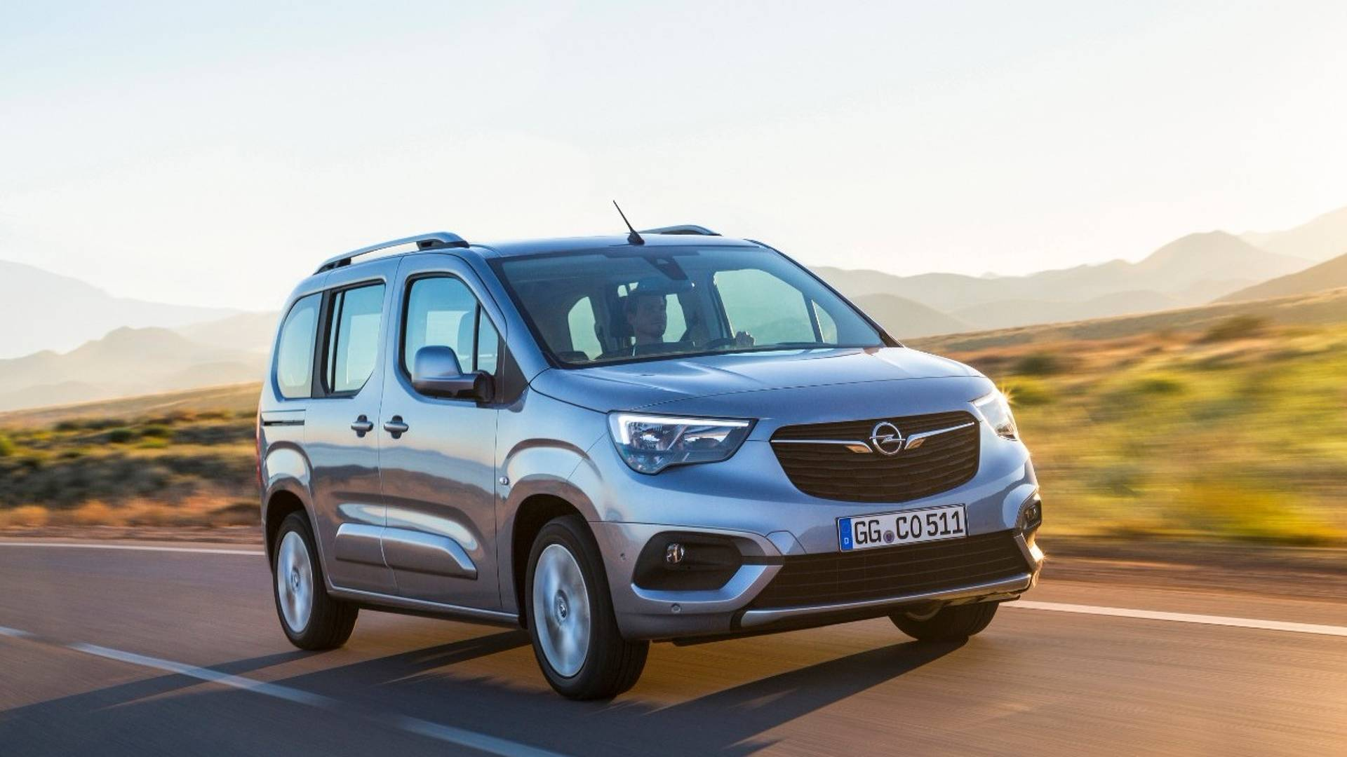 2018 Opel Combo Life Debuts As The Family S Best Friend