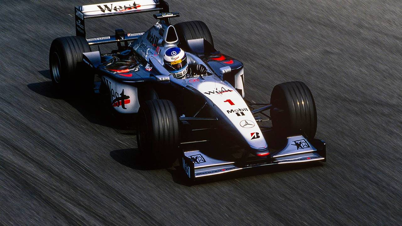 15. El McLaren Mercedes MP4/14 de F1