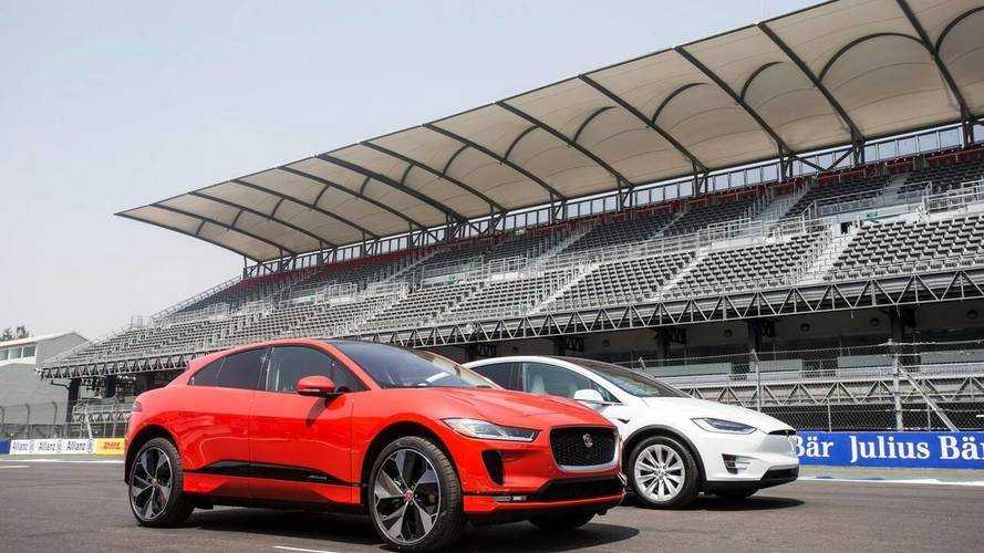 Jaguar I-Pace, la drag race contro la Tesla Model X
